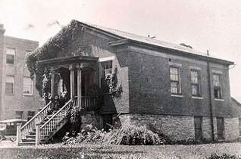 photo of the anderson house on the underground railroad